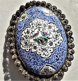 Sterling silver handmade Yemenite filigree flowers Brooch Vintage Birds Enamel. On the enamel are two birds and flowers.